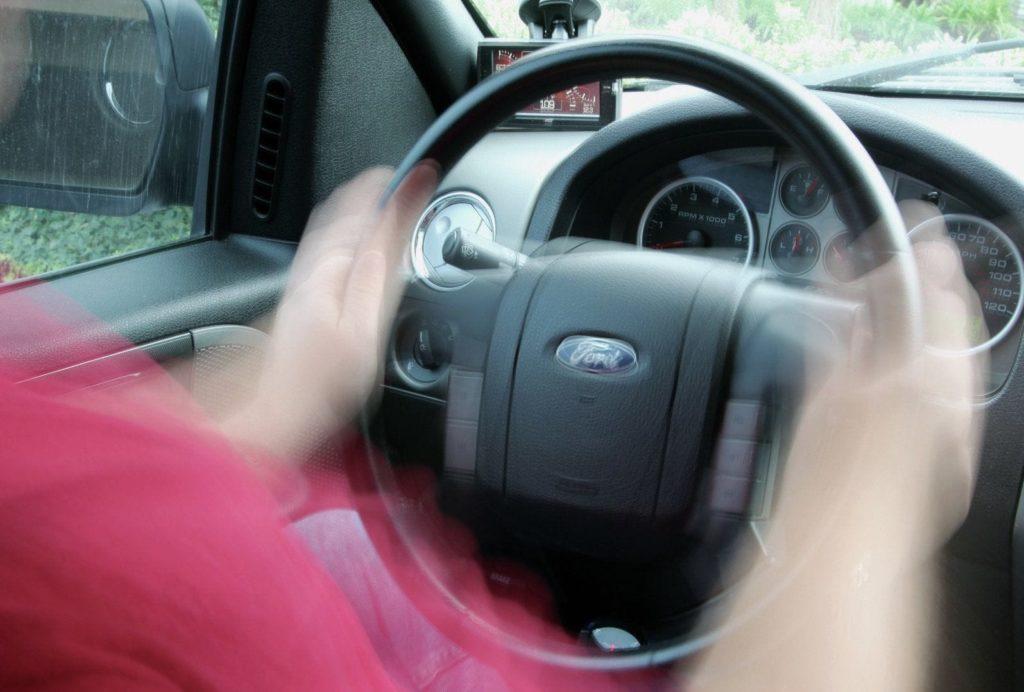 Вибрации в руль
